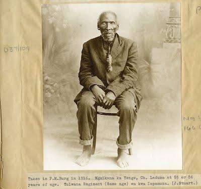 Mqayikana kaYenge at age 85 or 86, photograph taken in Pietermaritzburg in 1916 (James Stuart Archive, Killie Campbell Library, Durban).
